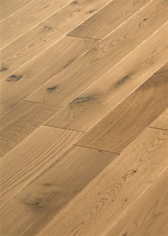 Cottage Solid Oak Lacquered Flooring 18 x 120 mm (£38.40m2, 2.112m2 in pack)